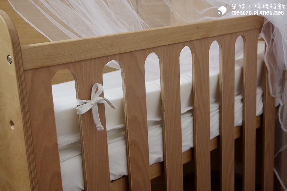米特,味玩待敘台灣部落客©MEAT76|2015-05-24-7【嬰兒床開箱組裝文】睿兒國際BENDI I-LU wood 櫸木多功能嬰兒床|小羕的嬰兒床開箱組裝床邊床026.jpg