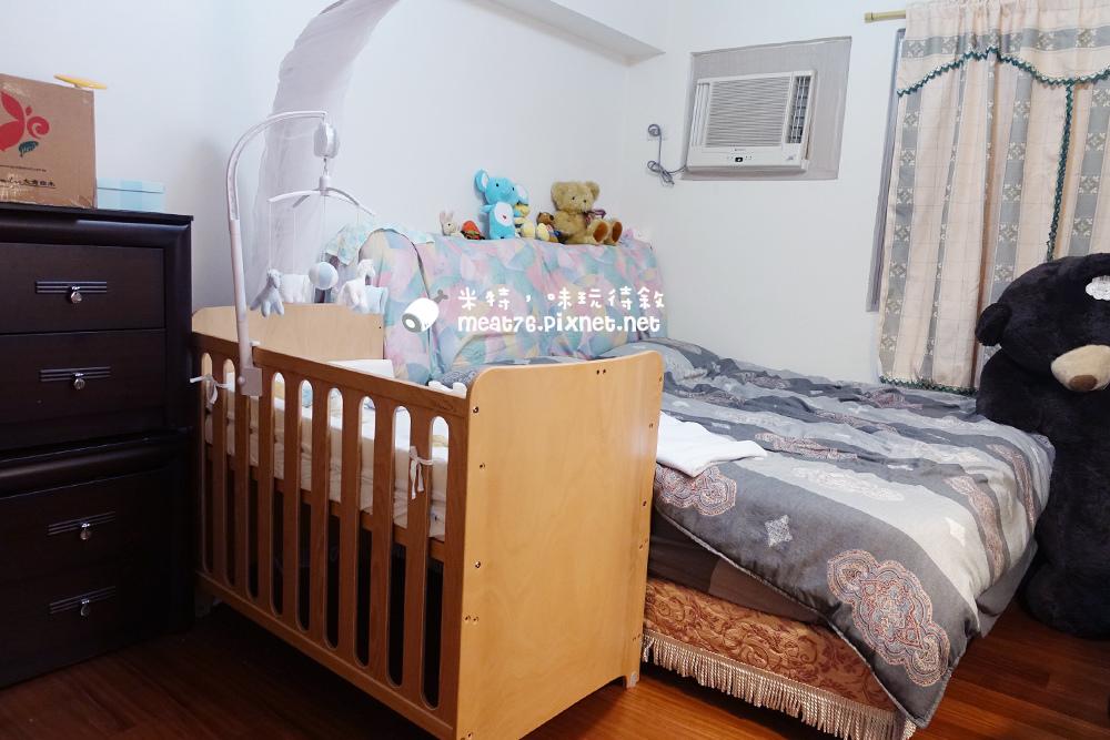 米特,味玩待敘台灣部落客©MEAT76|2015-05-24-7【嬰兒床開箱組裝文】睿兒國際BENDI I-LU wood 櫸木多功能嬰兒床|小羕的嬰兒床開箱組裝床邊床027.jpg