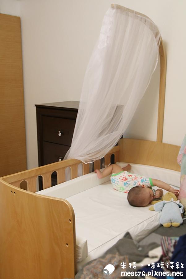 米特,味玩待敘台灣部落客©MEAT76|2015-05-24-7【嬰兒床開箱組裝文】睿兒國際BENDI I-LU wood 櫸木多功能嬰兒床|小羕的嬰兒床開箱組裝床邊床028.jpg