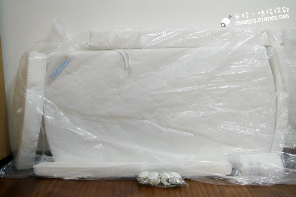 米特,味玩待敘台灣部落客©MEAT76|2015-05-24-7【嬰兒床開箱組裝文】睿兒國際BENDI I-LU wood 櫸木多功能嬰兒床|小羕的嬰兒床開箱組裝床邊床009.jpg