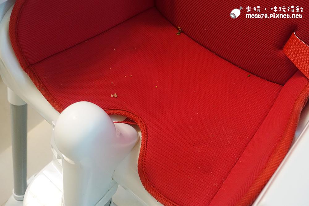 米特,味玩待敘台灣美食親子部落客©MEAT76|2016-05-31寶寶餐椅推薦Myheart折疊式兒童安全餐椅蘋果紅MF-02台灣製可折好收納多段調整舒適感034.jpg