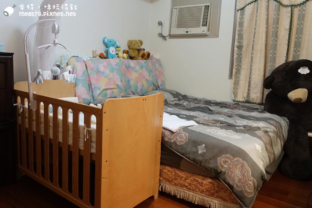 米特,味玩待敘台灣美食親子部落客©MEAT76|2016-07-16-6【成長嬰兒床使用全紀錄】BENDI I-Lu Wood 櫸木多功能嬰兒床|小羕 5m~1y7m個階段嬰兒床使用分享003.jpg