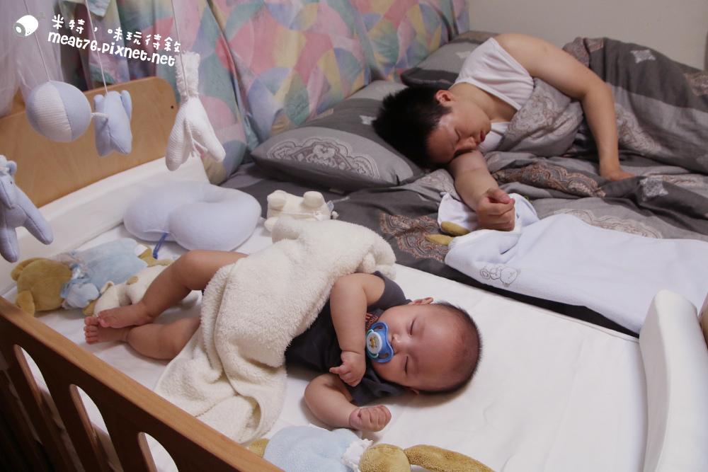 米特,味玩待敘台灣美食親子部落客©MEAT76|2016-07-16-6【成長嬰兒床使用全紀錄】BENDI I-Lu Wood 櫸木多功能嬰兒床|小羕 5m~1y7m個階段嬰兒床使用分享004.jpg