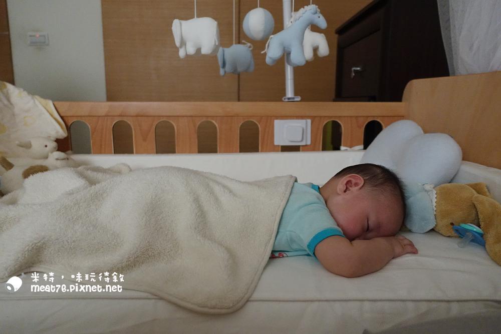 米特,味玩待敘台灣美食親子部落客©MEAT76|2016-07-16-6【成長嬰兒床使用全紀錄】BENDI I-Lu Wood 櫸木多功能嬰兒床|小羕 5m~1y7m個階段嬰兒床使用分享005.jpg