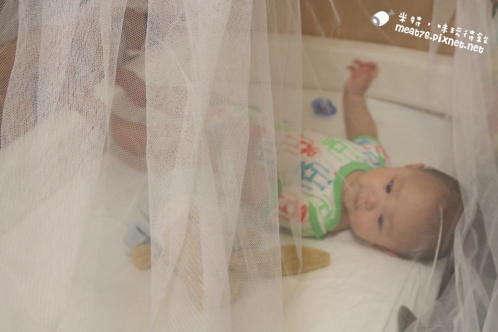 米特,味玩待敘台灣美食親子部落客©MEAT76|2016-07-16-6【成長嬰兒床使用全紀錄】BENDI I-Lu Wood 櫸木多功能嬰兒床|小羕 5m~1y7m個階段嬰兒床使用分享006.jpg