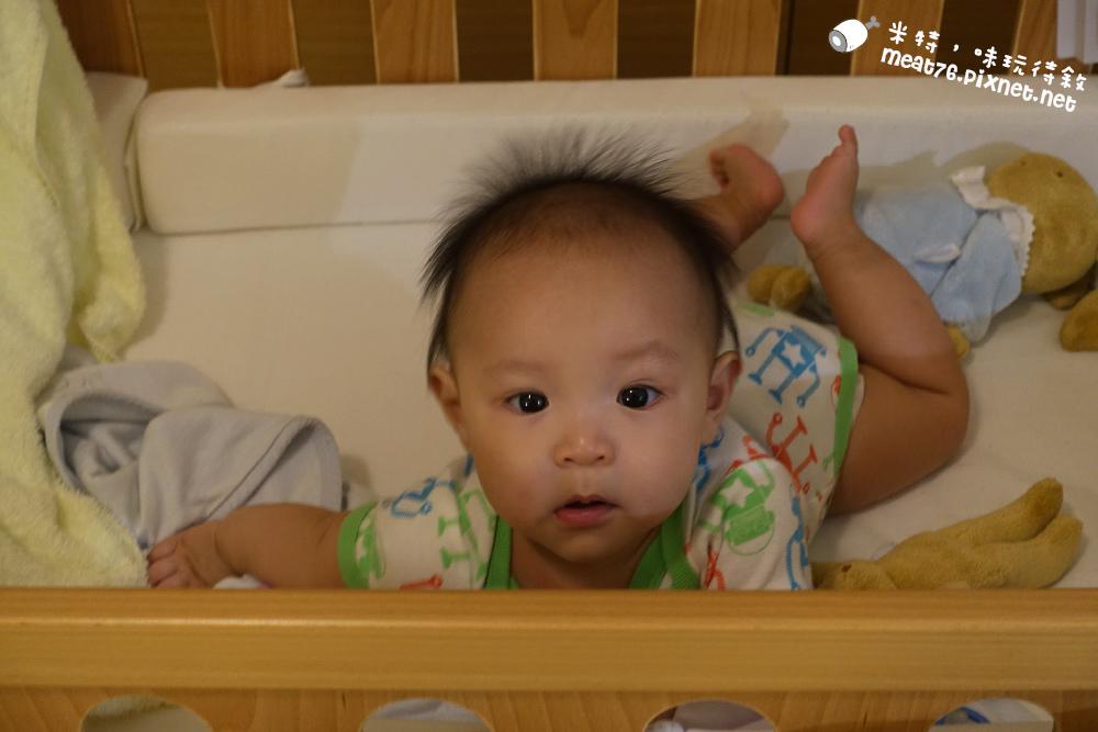 米特,味玩待敘台灣美食親子部落客©MEAT76|2016-07-16-6【成長嬰兒床使用全紀錄】BENDI I-Lu Wood 櫸木多功能嬰兒床|小羕 5m~1y7m個階段嬰兒床使用分享010.jpg