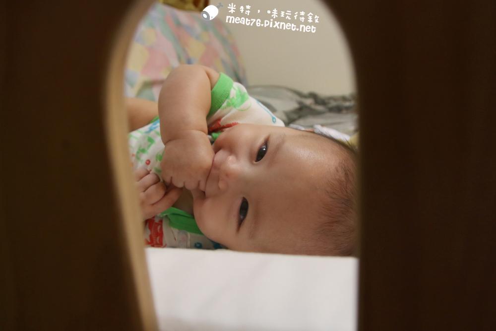 米特,味玩待敘台灣美食親子部落客©MEAT76|2016-07-16-6【成長嬰兒床使用全紀錄】BENDI I-Lu Wood 櫸木多功能嬰兒床|小羕 5m~1y7m個階段嬰兒床使用分享011.jpg