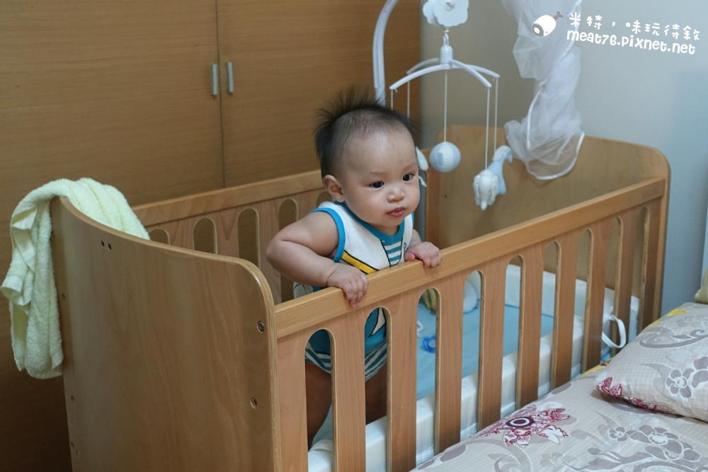米特,味玩待敘台灣美食親子部落客©MEAT76|2016-07-16-6【成長嬰兒床使用全紀錄】BENDI I-Lu Wood 櫸木多功能嬰兒床|小羕 5m~1y7m個階段嬰兒床使用分享014.jpg