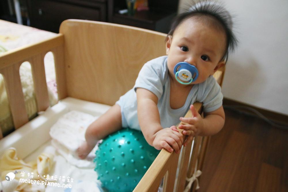 米特,味玩待敘台灣美食親子部落客©MEAT76|2016-07-16-6【成長嬰兒床使用全紀錄】BENDI I-Lu Wood 櫸木多功能嬰兒床|小羕 5m~1y7m個階段嬰兒床使用分享018-.jpg