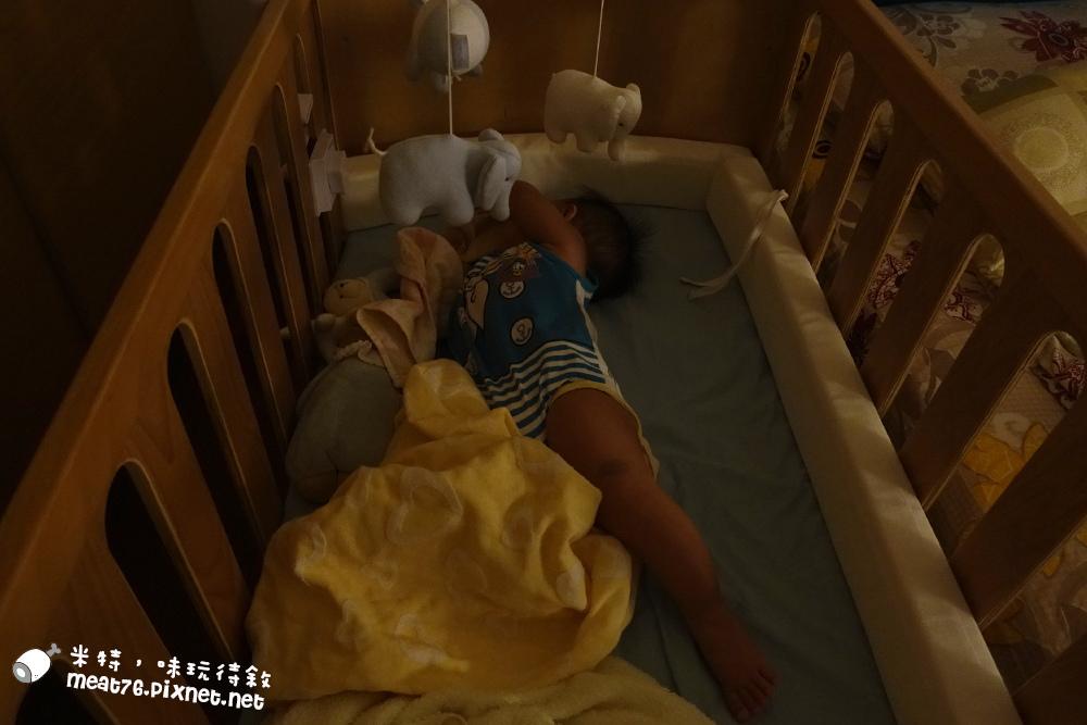 米特,味玩待敘台灣美食親子部落客©MEAT76|2016-07-16-6【成長嬰兒床使用全紀錄】BENDI I-Lu Wood 櫸木多功能嬰兒床|小羕 5m~1y7m個階段嬰兒床使用分享019.jpg