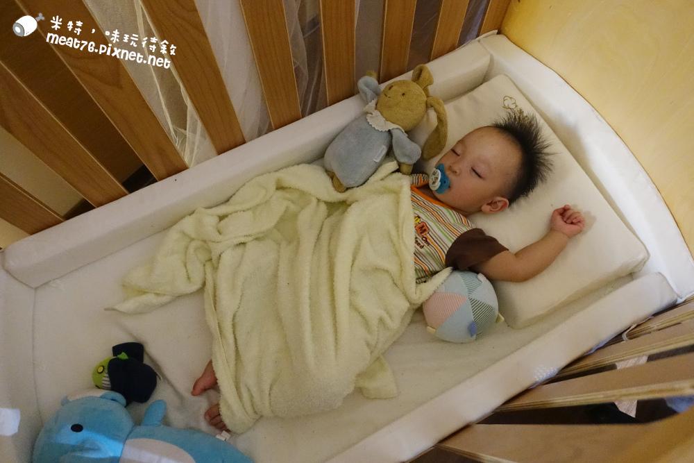 米特,味玩待敘台灣美食親子部落客©MEAT76|2016-07-16-6【成長嬰兒床使用全紀錄】BENDI I-Lu Wood 櫸木多功能嬰兒床|小羕 5m~1y7m個階段嬰兒床使用分享021.jpg