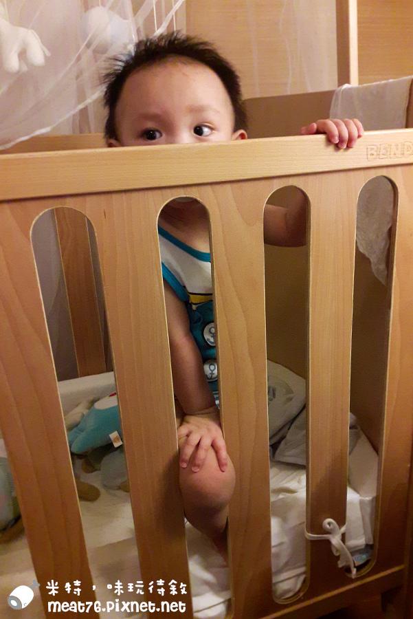 米特,味玩待敘台灣美食親子部落客©MEAT76|2016-07-16-6【成長嬰兒床使用全紀錄】BENDI I-Lu Wood 櫸木多功能嬰兒床|小羕 5m~1y7m個階段嬰兒床使用分享022.jpg