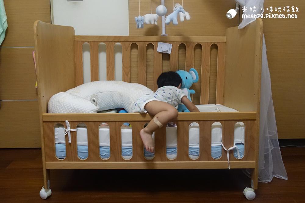米特,味玩待敘台灣美食親子部落客©MEAT76|2016-07-16-6【成長嬰兒床使用全紀錄】BENDI I-Lu Wood 櫸木多功能嬰兒床|小羕 5m~1y7m個階段嬰兒床使用分享025.jpg