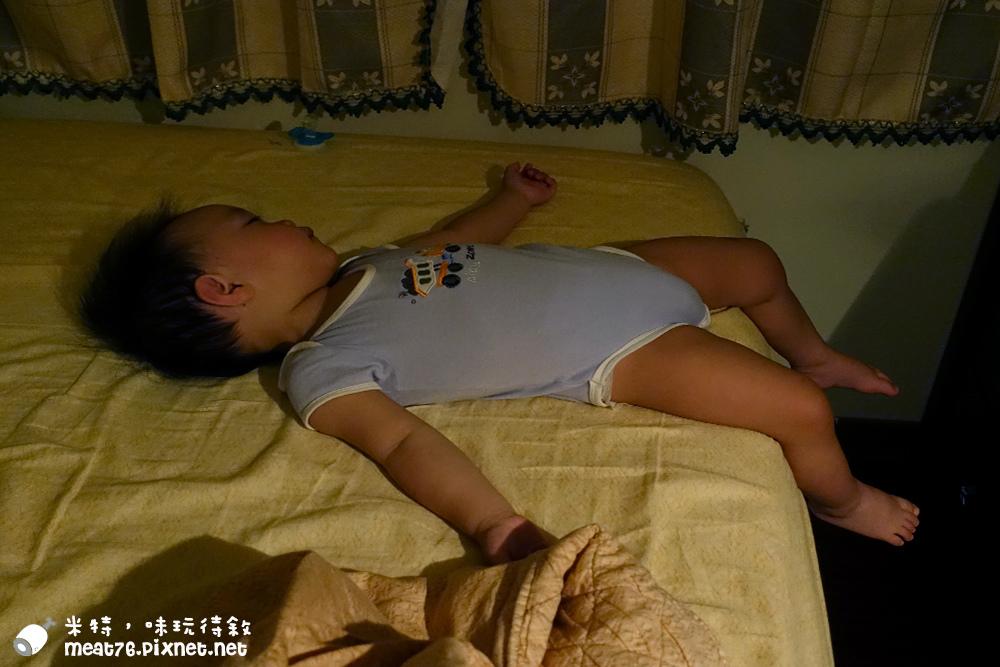 米特,味玩待敘台灣美食親子部落客©MEAT76|2016-07-16-6【成長嬰兒床使用全紀錄】BENDI I-Lu Wood 櫸木多功能嬰兒床|小羕 5m~1y7m個階段嬰兒床使用分享032.jpg
