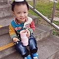 米特味玩待敘台灣美食親子部落客©MEAT76|2017-02-13-1|【寶寶好物。BabyTalk】精緻可愛新生兒用品分享|繽紛水果貓精梳棉嬰兒紗布衣,粉色猴子奶粉分裝盒方便不殘粉!027.jpg