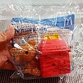 我是米特|台灣美食親子部落客©MEAT76|2017-11-26-7【兒童玩具】麥當勞兒童餐玩具2017|TOMICACAR4款、拉拉熊8款,實體小汽車跟可愛拉拉熊超犯規!本期玩具根本是針對大人來著!009