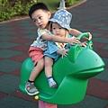 我是米特|台灣美食親子部落客©MEAT76|2017-11-29-3|【育兒好物|兒童汽車安全座椅】Combi New JoyTrip EG|三階段成長型汽座,一張1~11歲都能守護寶貝的高CP值汽座!#透氣不悶熱 #舒適 #Eggshock004