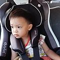 我是米特|台灣美食親子部落客©MEAT76|2017-11-29-3|【育兒好物|兒童汽車安全座椅】Combi New JoyTrip EG|三階段成長型汽座,一張1~11歲都能守護寶貝的高CP值汽座!#透氣不悶熱 #舒適 #Eggshock011