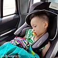 我是米特|台灣美食親子部落客©MEAT76|2017-11-29-3|【育兒好物|兒童汽車安全座椅】Combi New JoyTrip EG|三階段成長型汽座,一張1~11歲都能守護寶貝的高CP值汽座!#透氣不悶熱 #舒適 #Eggshock014