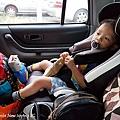 我是米特|台灣美食親子部落客©MEAT76|2017-11-29-3|【育兒好物|兒童汽車安全座椅】Combi New JoyTrip EG|三階段成長型汽座,一張1~11歲都能守護寶貝的高CP值汽座!#透氣不悶熱 #舒適 #Eggshock012
