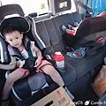 我是米特|台灣美食親子部落客©MEAT76|2017-11-29-3|【育兒好物|兒童汽車安全座椅】Combi New JoyTrip EG|三階段成長型汽座,一張1~11歲都能守護寶貝的高CP值汽座!#透氣不悶熱 #舒適 #Eggshock037.jpg