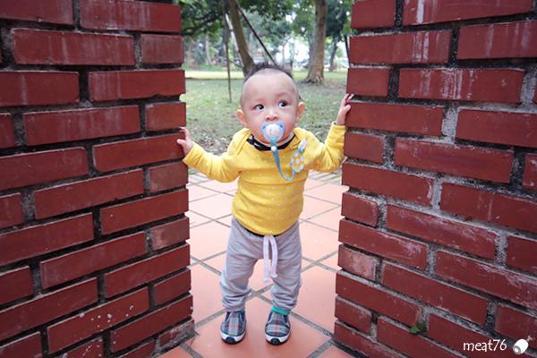 我是米特|台灣美食親子部落客©MEAT76|2017-11-29-3|【育兒好物|兒童汽車安全座椅】Combi New JoyTrip EG|三階段成長型汽座,一張1~11歲都能守護寶貝的高CP值汽座!#透氣不悶熱 #舒適 #Eggshock042.jpg