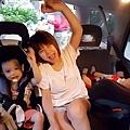 我是米特|台灣美食親子部落客©MEAT76|2017-11-29-3|【育兒好物|兒童汽車安全座椅】Combi New JoyTrip EG|三階段成長型汽座,一張1~11歲都能守護寶貝的高CP值汽座!#透氣不悶熱 #舒適 #Eggshock043.jpg