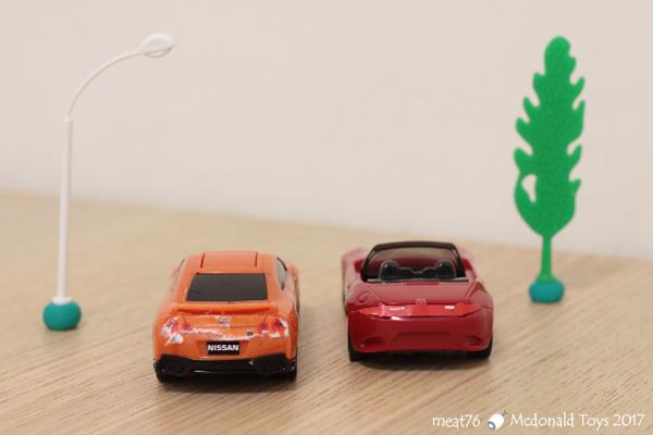 我是米特|台灣美食親子部落客©MEAT76|【麥當勞玩具】2017-12-13|Tomica多美小汽車:Mazda Roadster 紅色敞篷車,車頂可拆卸超好玩!022.jpg