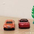 我是米特 台灣美食親子部落客©MEAT76 【麥當勞玩具】2017-12-13 Tomica多美小汽車:Mazda Roadster 紅色敞篷車,車頂可拆卸超好玩!022.jpg