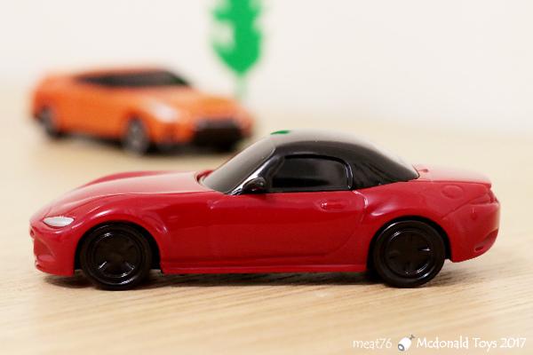 我是米特|台灣美食親子部落客©MEAT76|【麥當勞玩具】2017-12-13|Tomica多美小汽車:Mazda Roadster 紅色敞篷車,車頂可拆卸超好玩!014.jpg