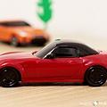 我是米特 台灣美食親子部落客©MEAT76 【麥當勞玩具】2017-12-13 Tomica多美小汽車:Mazda Roadster 紅色敞篷車,車頂可拆卸超好玩!014.jpg
