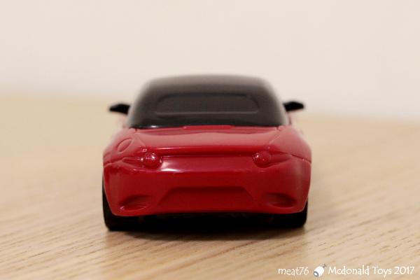 我是米特|台灣美食親子部落客©MEAT76|【麥當勞玩具】2017-12-13|Tomica多美小汽車:Mazda Roadster 紅色敞篷車,車頂可拆卸超好玩!013.jpg