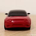 我是米特 台灣美食親子部落客©MEAT76 【麥當勞玩具】2017-12-13 Tomica多美小汽車:Mazda Roadster 紅色敞篷車,車頂可拆卸超好玩!013.jpg
