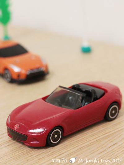 我是米特|台灣美食親子部落客©MEAT76|【麥當勞玩具】2017-12-13|Tomica多美小汽車:Mazda Roadster 紅色敞篷車,車頂可拆卸超好玩!018.jpg