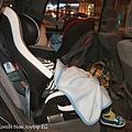 我是米特|台灣美食親子部落客©MEAT76|2017-11-29-3|【育兒好物|兒童汽車安全座椅】Combi New JoyTrip EG|三階段成長型汽座,一張1~11歲都能守護寶貝的高CP值汽座!#透氣不悶熱 #舒適 #Eggshock024-2.jpg