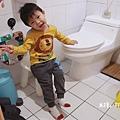 米特味玩待敘台灣美食親子部落客©MEAT76|2020【衛浴設備】美國KARAT凱樂衛浴|我們一家的放鬆好夥伴!金級省水標章的低水箱噴射虹吸式靜音單體馬桶 K-2481U-025.jpg