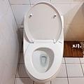 米特味玩待敘台灣美食親子部落客©MEAT76|2020【衛浴設備】美國KARAT凱樂衛浴|我們一家的放鬆好夥伴!金級省水標章的低水箱噴射虹吸式靜音單體馬桶 K-2481U-012.jpg