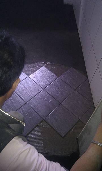 裝潢中的廁所2