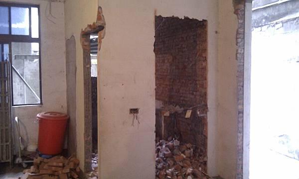 裝潢前的廁所2