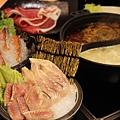台北車站京站火鍋  嚴選鍋品 食尚養生麻辣鴛鴦鍋