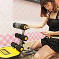 BLADEZ ABB舒背健腹機 小腹平坦 翹臀 美胸  在家運動的健腹機~美背 健身器