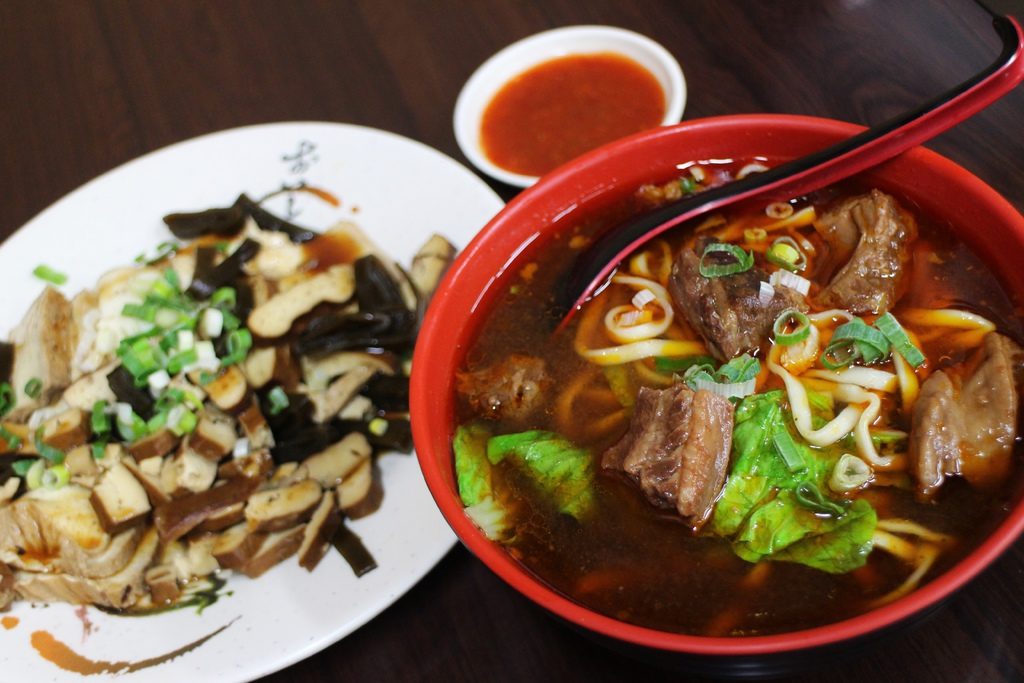 寧夏夜市美食飄香牛肉麵店觀光客愛吃台北市大同區寧夏路12號