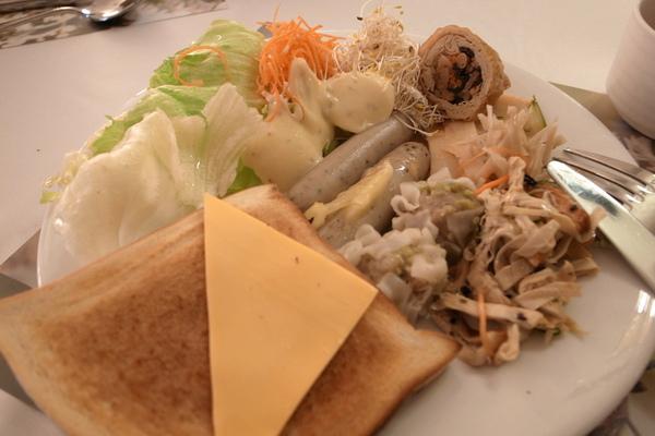 富野的早餐有中式、西式跟日式,隨你搭