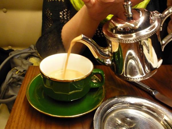 這是小花點的皇家奶茶