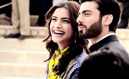 Sonam-and-Fawad-in-Khoobsurat.jpg