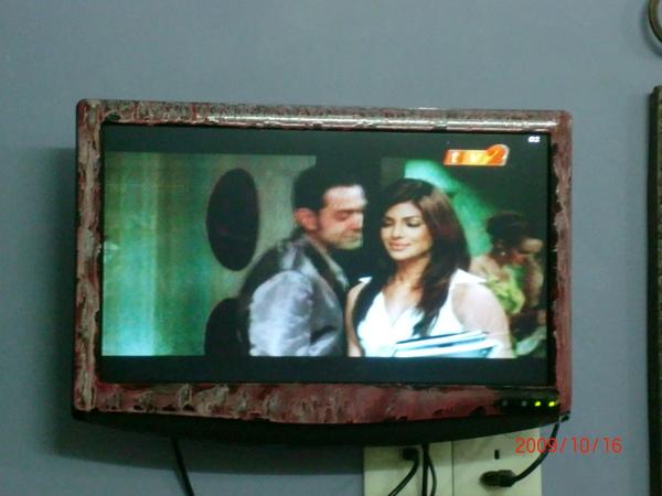 因為印度新年的關係 本地的電視台演dostana