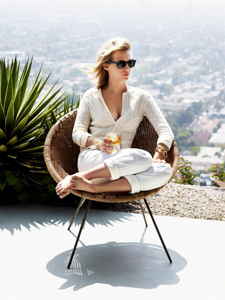 January Jones - Pamela Hanson Photoshoot_02.jpg