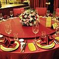 主桌是大紅色系