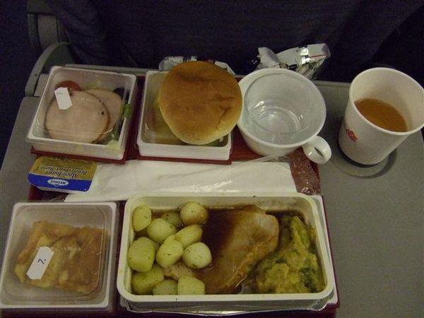 飛機餐--很怪的是,我挺愛吃這個的:p