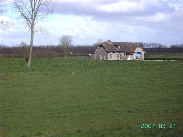 阿姆斯特丹--路邊的小屋